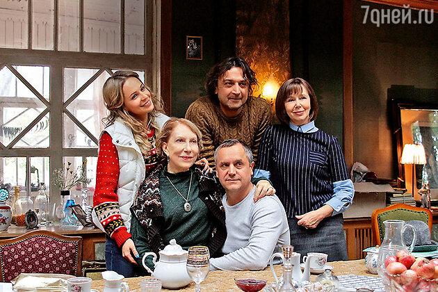 Ирина Медведева, Инна Чурикова, Андрей Соколов, Александр Лазарев и Евгения Симонова