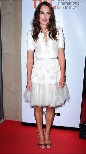 Кира Найтли в платье от Chanel на премьере фильма «Имитационная игра»