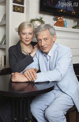 С Катей мы уже вместе 15 лет... (Актриса Екатерина Лапина с Александром Басовым)