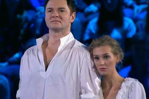 Кристина Асмус и Алексей Тихонов показали «сладкий» номер на «Ледниковом периоде»
