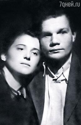 Михаил Иванович  со своей первой женой Надеждой Надеждиной