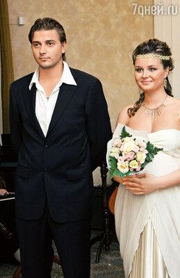 В Школе-студии МХАТ я познакомилась со своим будущим мужем, актером Петей Кисловым