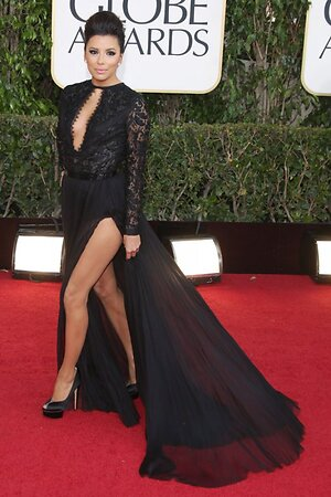 Ева Лонгория в платье от Emilio Pucci и туфлях от Charlotte Olympia на церемонии «Золотой глобус-2013»
