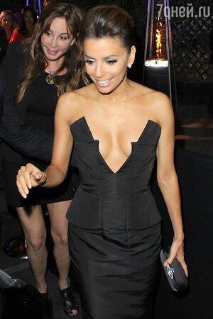 Ева Лонгория в платье от Cushnie et Ochs на вечере Vanity Fair and Chrysler