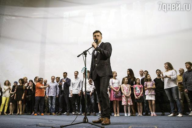 Кирилл Белевич и команда фильма «Единичка»