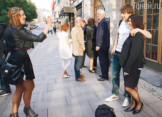 Фото с поклонниками после концерта в театре «Кристиания»