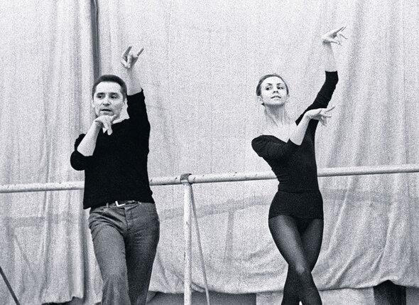 Людмила Семеняка  танцевала практически  все центральные партии  в балетах Юрия Николаевича