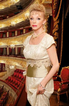 Юрий Григорович обещал мне партию Маши  в «Щелкунчике». Но в Большой из «Мариинки» перешла Люда Семеняка и станцевала мою Машу