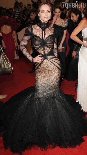 �������� ����� � ������ �� Zac Posen �� ������ Costume Institute Met Gala � 2011 ����