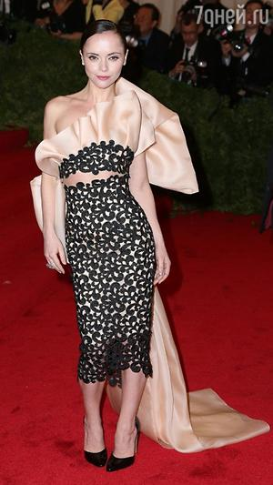 �������� ����� � ������ �� Thakoon �� ������ Costume Institute Met Gala � 2012 ����