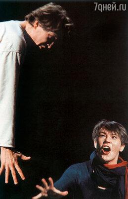 Женя Миронов в постановке Штайна играл Ореста, я его сестру Электру