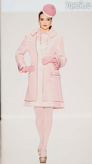 Модель показа Slava Zaitsev  в рамках Mercedes-Benz Fashion Week