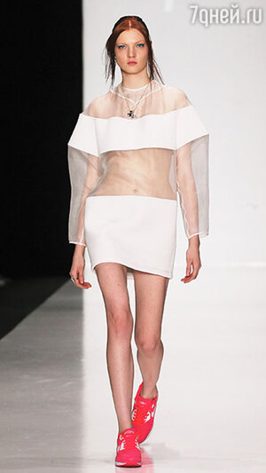 ������ ������ N'Kolykhalova � ������ Mercedes-Benz Fashion Week
