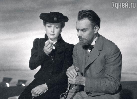 С Ией Саввиной в фильме «Дама с собачкой». 1960 г.