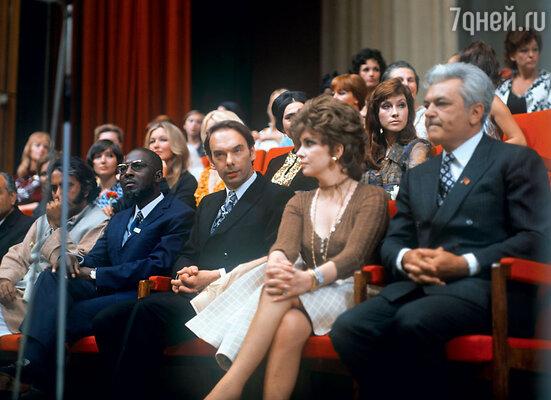 С Джиной Лоллобриджидой и Сергеем Бондарчуком во время Московского международного кинофестиваля. 1973 г.