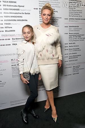 Дарья Михалкова с дочерью Наташей