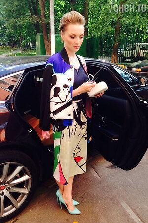 Екатерина Вилкова в наряде от Vika Smolyanitskaya