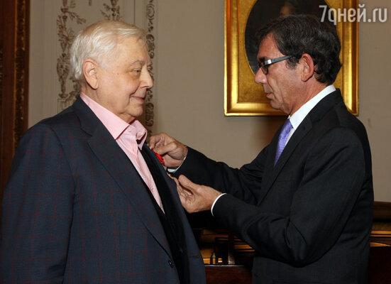 Олег Табаков стал кавалером Ордена Почетного легиона