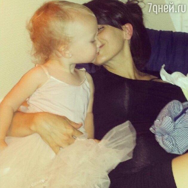 Хилария Болдуин с дочерью