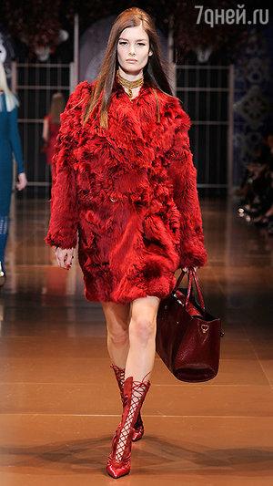 Показ  Versace в Милане