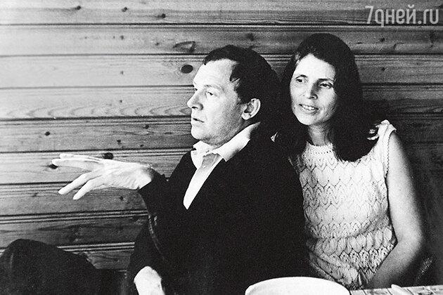 Иннокентий Смоктуновский  с женой