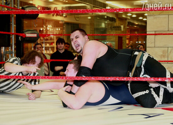 В минувшие выходные в Барвихе  прошло необычное представление – соревнование силачей
