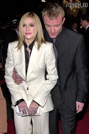После развода с певицей Мадонной британский режиссер Гай Ричи разбогател на круглую сумму
