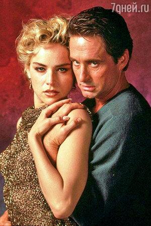 По мнению большинства поклонников, блестяще сыгранные роли в эротическом триллере «Основной инстинкт» стали для Шэрон Стоун и Майкла Дугласа лучшими в их кинокарьере