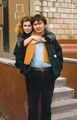 Наш роман с Игорем Китаевым закрутился мгновенно, вскоре мы поженились