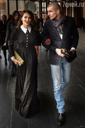 Сати Казанова и Артур Шачнов на премьере фильма «Красавица и чудовище»