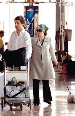 С хирургом Стефаном Делажу Аджани рассталась после его измены. 2005 г.