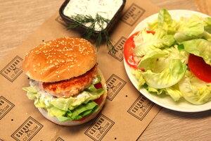 Аппетитные бургеры «Из лосося»: рецепт от ведущей Елены Усановой