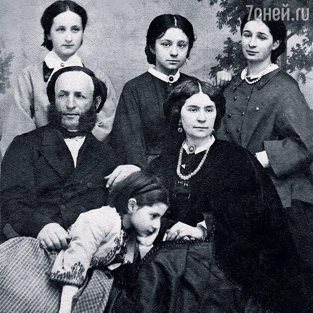 Иван Айвазовский и Юлия Яковлевна с дочерьми Еленой, Александрой, Марией и Жанной