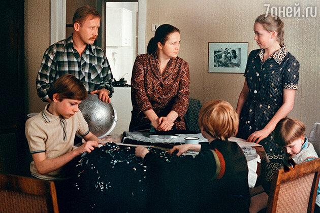Наталья Гундарева с Виктором Проскуриным в фильме «Однажды двадцать лет спустя». 1980 г.