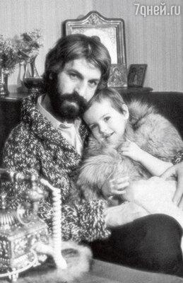 Дочь Хмельницкого в детстве и его новорожденная внучка похожи как две капли воды