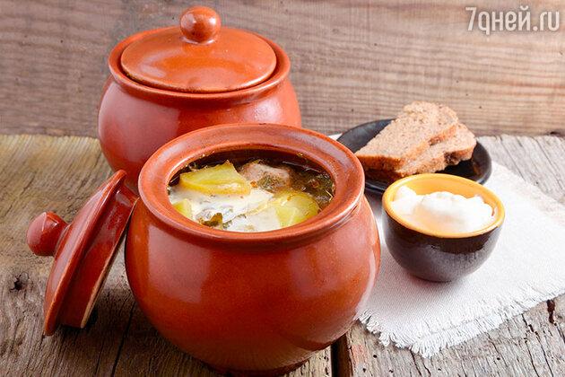 Мясной суп в горшочках