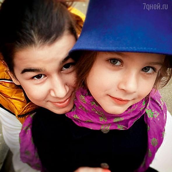 Эрика (дочь Натальи от первого брака) и Нина