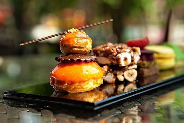 Если хотите удивить гостей изысканной трапезой, не забудьте о десерте, советуют французские кулинары