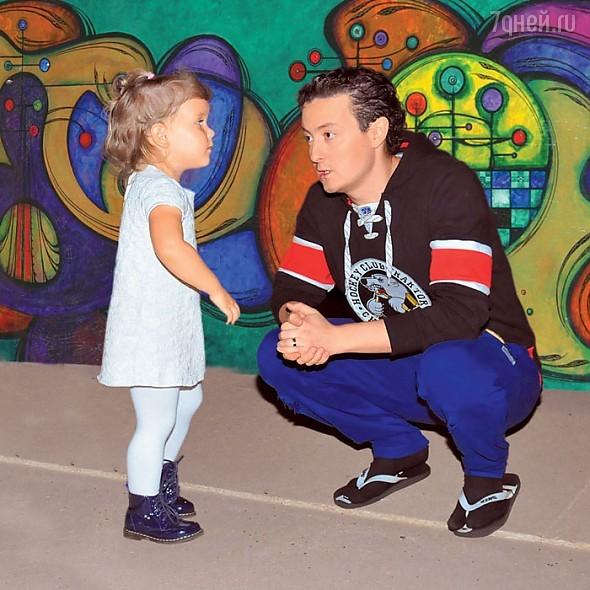 Станислав Ярушин с дочкой Стефанией