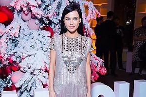 Очаровательная Елена Темникова в роскошном платье