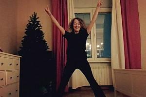 ВИДЕО: Аглая Тарасова танцует брейк