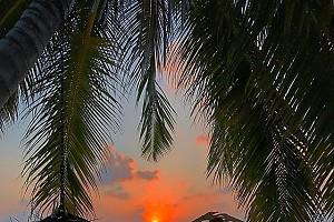 Алла Михеева встречает закат на Мальдивах