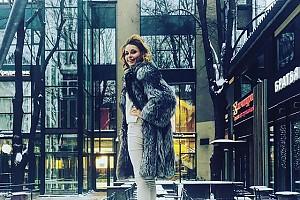 Любовь Толкалина наслеждается зимой