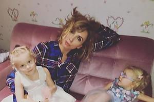 Бабушкины вечера: Светлана Бондарчук с внучками