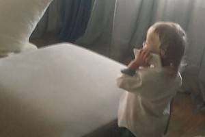 ВИДЕО: сын Преснякова и Подольской ведет важные телефонные переговоры