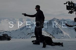В Сети появились первые кадры из нового фильма про Джеймса Бонда