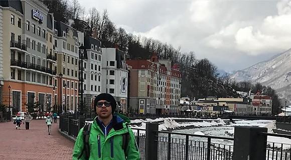 «Зелёненький он был» — Павел Деревянко в отпуске в Сочи
