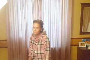 Ксения Новикова готовит чебуреки