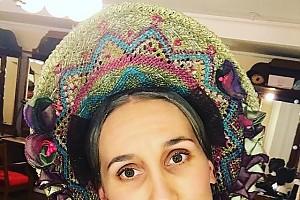 Анастасия Винокур в образе нянечки