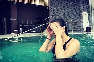 ВИДЕО: Ксения Алферова «отмотала» время назад